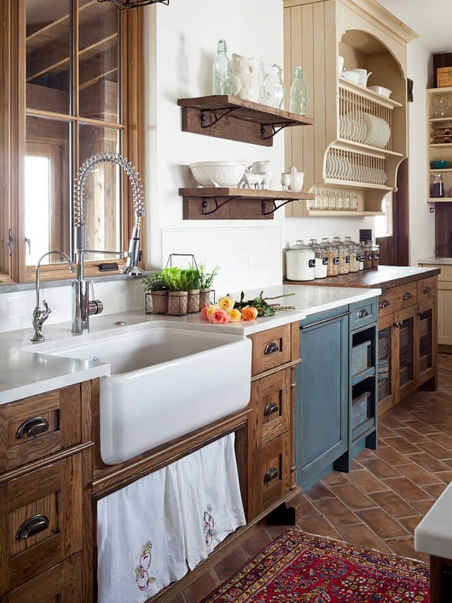 Farmhouse and cottage kitchen design rock on wood kitchens - Farmhouse style kitchen cabinets ...
