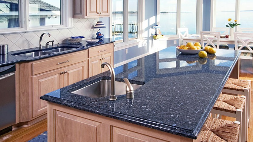 Choosing Kitchen Countertops – Quartz vs Granite vs Porcelain